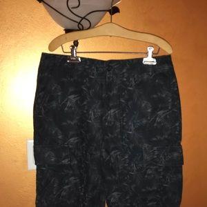 NWOT Men's Old Navy Cargo Shorts, Palm, Size 34